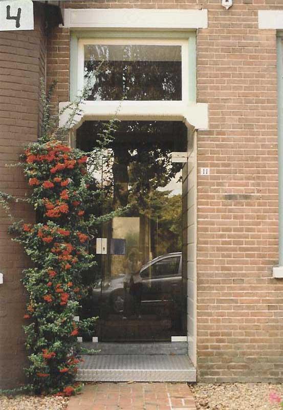 Kennel het hoog oord fokker van cesky terriers schnauzers - Moderne tuin ingang ...